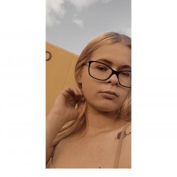 Babysitter Brisbane: Chloe