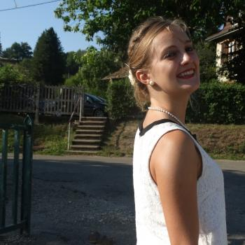 Baby-sitter Sury-le-Comtal: Amandine