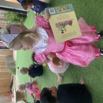 Babysitting job in Christchurch: babysitting job Courtney