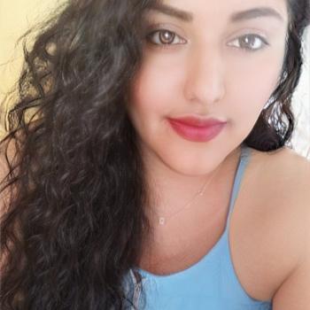 Babysitter Cancún: Daniela
