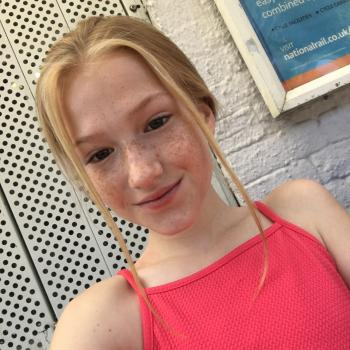 Babysitter London: Hannah