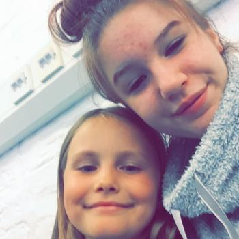 Babysitter Hull: Leah-ellen