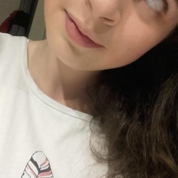 Babysitter Neeroeteren: Eleonora