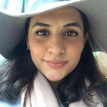 Babysitter London: Yasna