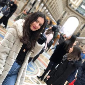 Babysitter Pavia: Donika