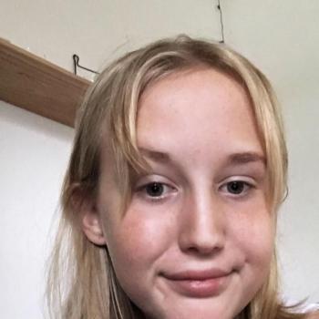 Babysitter Frederikssund: Laura