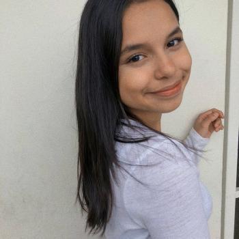 Babysitter in Naranjo: Ashley Umaña