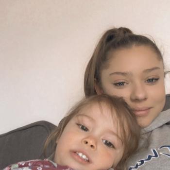 Babysitter Cambridge: Sienna