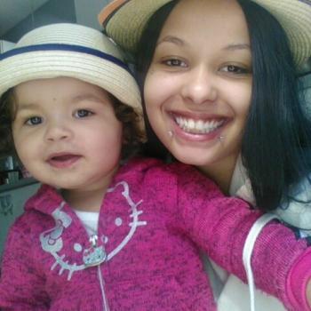 Babysitter Laval: Leanne
