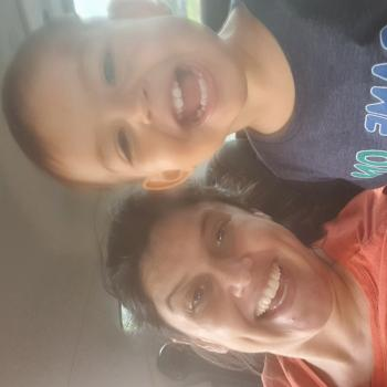 Emprego de babá em Uberlândia: emprego de babá Fabiana