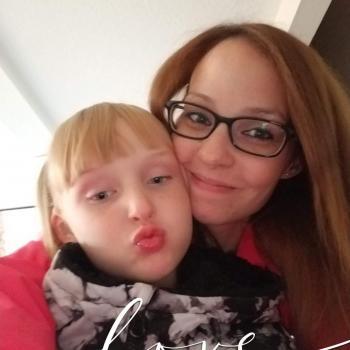 Babysitter Edmonton: Kayla