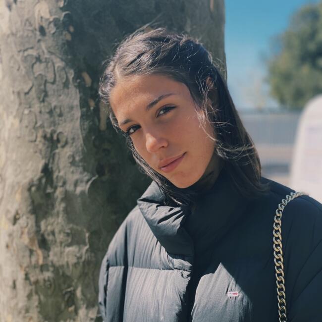 Babysitter in Genf: Francesca