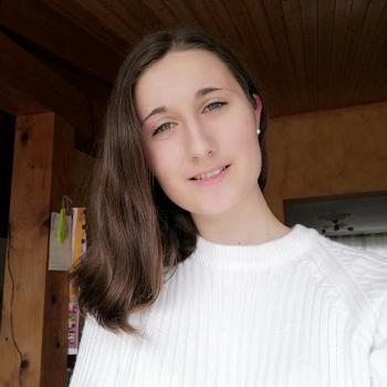 Babysitter in La Roche-sur-Yon: Léa