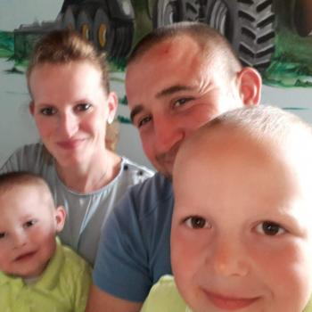 Babysitting job in Deinze: babysitting job Lies