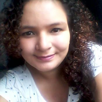 Niñera en San Juan: Katha