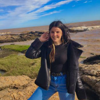 Niñera Las Piedras: Traicy