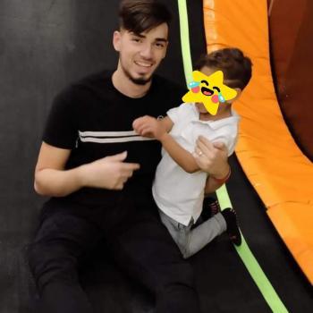 Babysitter Nîmes: Sam
