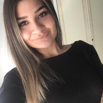 Babysitter Gent: Yasmina