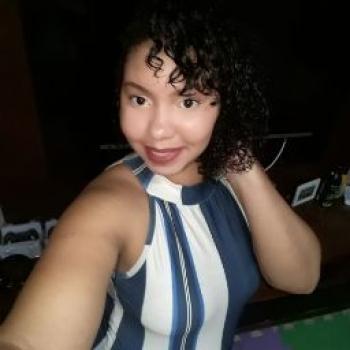 Babysitters in Vila Velha: July Stefany