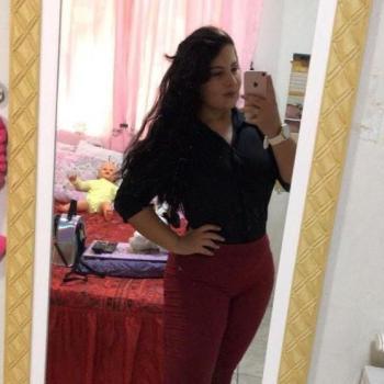 Babysitter in São José dos Pinhais: Larissa