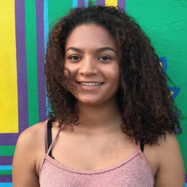 Babá em Salvador: Monica