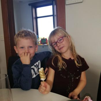 Baby-sitting Deinze: job de garde d'enfants Stacey en Lisa
