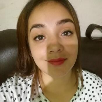 Niñera en Alajuelita: Sharon