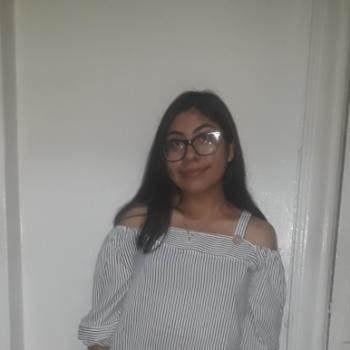 Babysitter Bronxdale: Karina