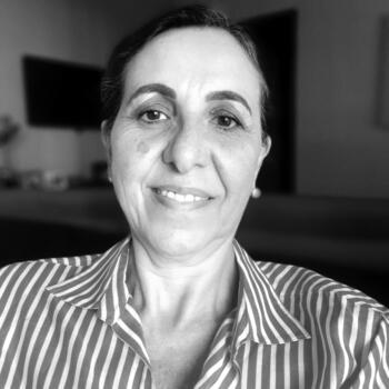 Babá em Londrina: Maria de Lourdes
