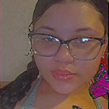 Babysitter in Magnolia Mobile Home Park: Breynna