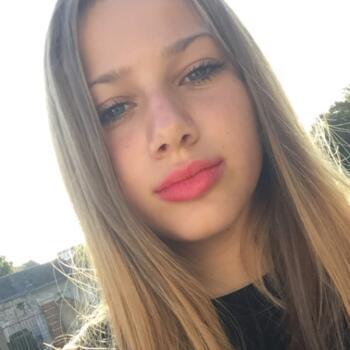 Baby-sitter Versailles: Paloma