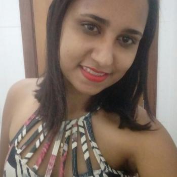 Babá Brasília: Raiane