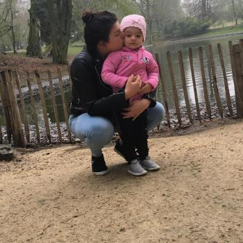 Baby-sitter Lodelinsart: Deborah