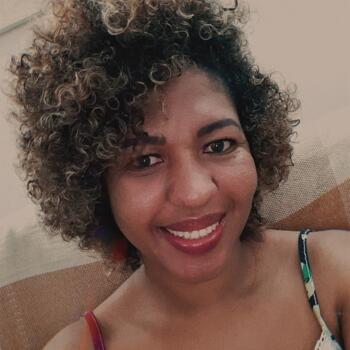Babá em Brasília: Jaqueline