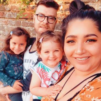 Babysitter Camberley: Laura
