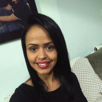 Babá em Goiânia: Tatiane