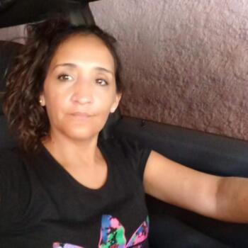 Babysitter in Mendoza: Karina