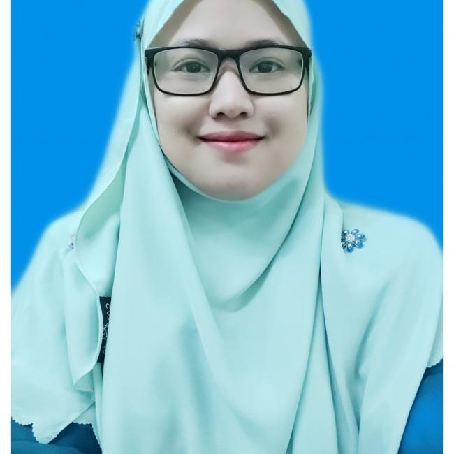 Pengasuh di Kampung Tanjung Karang: Adibah