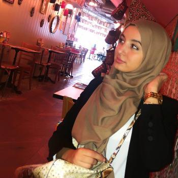 Oppas Den Haag: Büşra