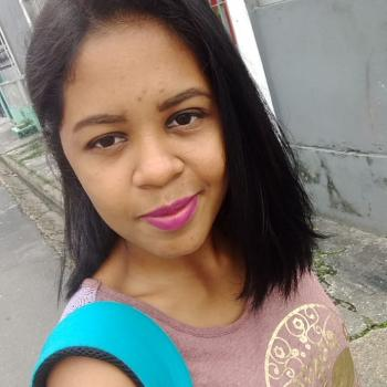 Babysitting Jobs in Manaus: babysitting job Mary