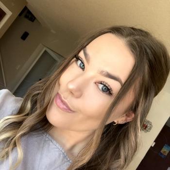 Babysitter Calgary: Grace