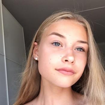 Barnvakt Helsingfors: Ella