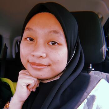Pengasuh Johor Bahru: NUR FARAH
