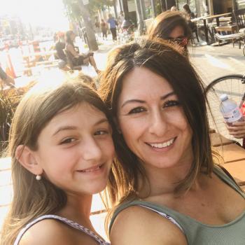 Baby-sitting Toronto: job de garde d'enfants Goretti