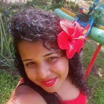 Babá em Recife: Lis