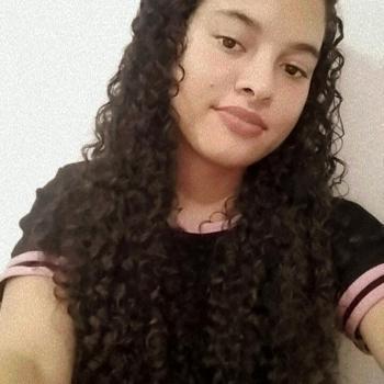 Babysitter in Manaus: TAINÁ