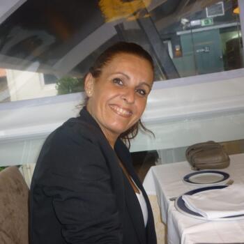 Niñera Oleiros: Ana