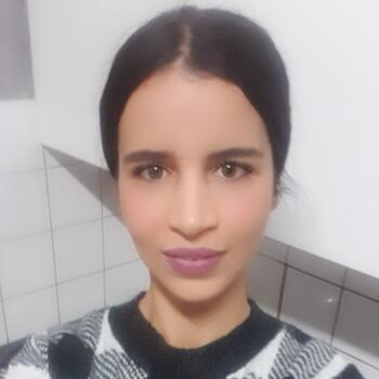 Babysitter Brüssel: Laila