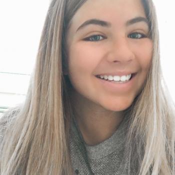 Babysitter in Gold Coast: Lani