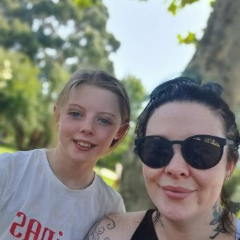 Babysitting job Riddell: babysitting job Alexandra